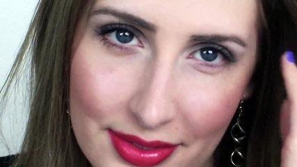 Soft smokey eye makeup tutorial for hooded eyes