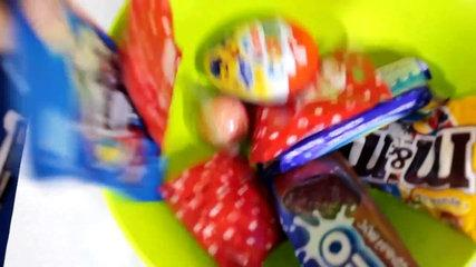 Funny kids & Giant Candy! Johny Johny Yes Papa