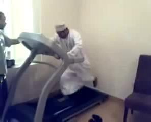 Arab On Treadmill - Most Funny Comedy Video Clips For Laughs !!