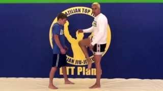 BTT Plano Muay Thai - Hip Movement Drill - Throwing A Knee Tutorial 2