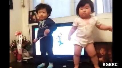 Baby Dance Scary - Funny Baby Dance
