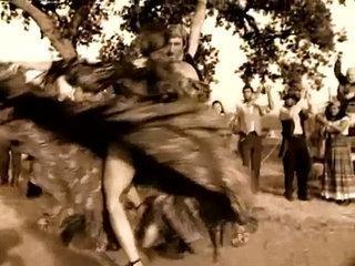 Jennifer Lopez - Ain't It Funny (Alt Version)