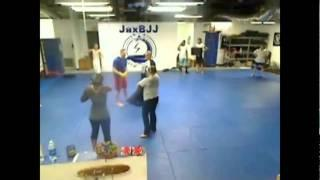 Muay Thai KRU Brian Tyle Teaching Loose Clinch Pop Out To Straight Knee.mpg