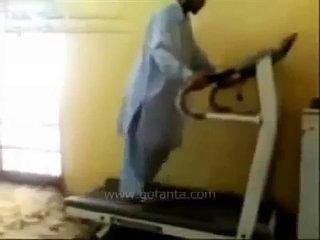 Pakistani Funny Comedy Clips Pathan Treadmill 2013
