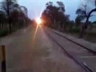 Wash_A_Running_Train - Funny Videos