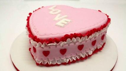 How to create a sugar paste Valentine' day cake