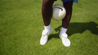 ★Os 5 MELHORES TRUQUES RONALDINHO(2/2)★ Futebol Brasileiro Truques Dribles Youtube Rua