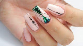 Geometric glitter nails art tutorial / cuccio