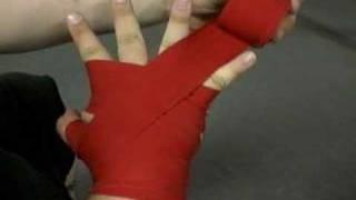 Wrapping Hands For Boxing, Kickboxing, Muay Thai / How To Wrap Your Hands