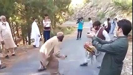 Pashto Funny Dance Video - Pathan Mast Dancing