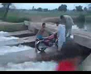 very funny clip pakistani hahahaha