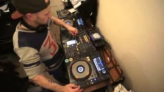 DJ RANDOM MIXING LESSON WITH ARABIC DANCE MUSIC BY ELLASKINS THE DJ TUTOR
