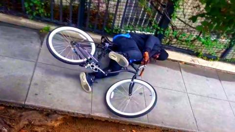 Electrocuting People on Bait Bikes Prank