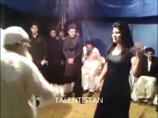 Pakistani Baba Gee Funny Mujra Gujjar Punjabi