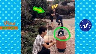 Funny Videos ● Chinese Funny Clips 2017 (Part 4)