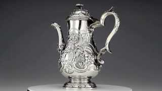 ANTIQUE 19thC GEORGIAN SOLID SILVER EMBOSSED COFFEE POT GEORGE KNIGHT C1818