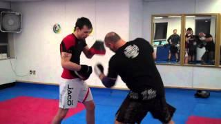 Tutorial On Boxing And Muay Thai Slip And Feint To The Body Shot