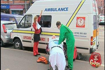 Funny Gags_Violent Paramedic Prank