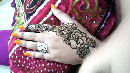 Easy DIY Beautiful Arabic Henna Mehndi Design Tutorial - Naush Artistica