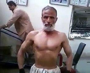 Funny video of old man who have passion to weightlifting for championship....