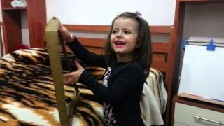 BABY GIRL SING A PATRIOTIC SONG IN ALBANIAN LENGUAGE-2014