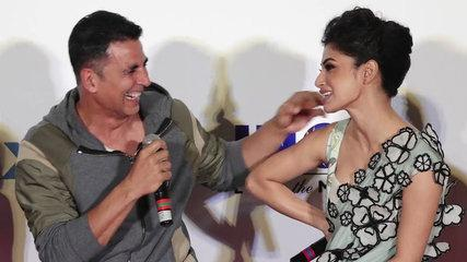 Akshay Kumar pulls Mouni Roy's leg during Gold IMAX trailer launch; Watch Funny video | FilmiBeat