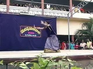 COLLEGE GIRL DANCE. WOW. THIS IS INDIAN DANCE. MUST SEE - Funny Videos - Videofy.mp4