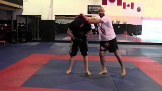 Tutorial : Muay Thai Clinch Knee Combination